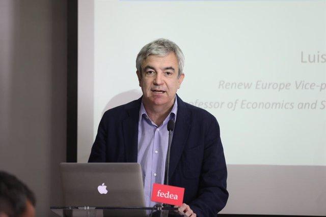Archivo - El eurodiputado de Ciudadanos, Luis Garicano interviene sobre 'Cómo resucitar la Unión Bancaria' y comenta el estado actual de las negociaciones sobre el tema, en un acto organizado por Fedea, en Madrid (España), a 24 de febrero de 2020.