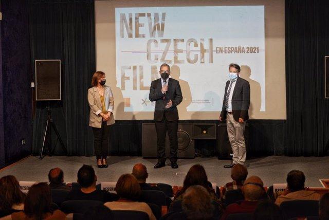 """El embajador de Chequia inaugura la muestra """"7x7: nuevas películas checas"""" que se proyecta en la Filmoteca"""
