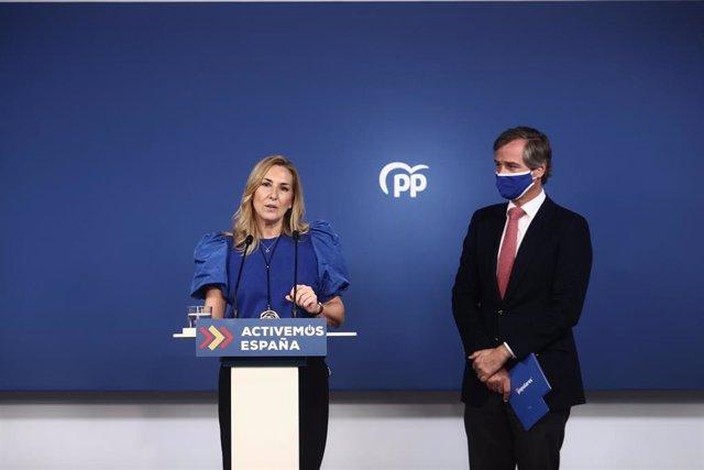 La vicesecretaria de Organización del Partido Popular, Ana Beltrán, y el vicesecretario de Territorial, Antonio González Terol, durante una rueda de prensa, a 5 de abril de 2021, en Madrid, (España).