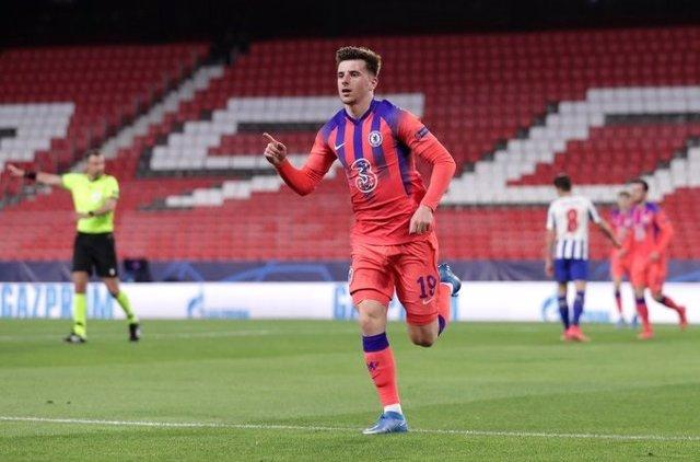 Mason Mount celebra el 0-1 en el Oporto-Chelsea de cuartos de la Liga de Campeones
