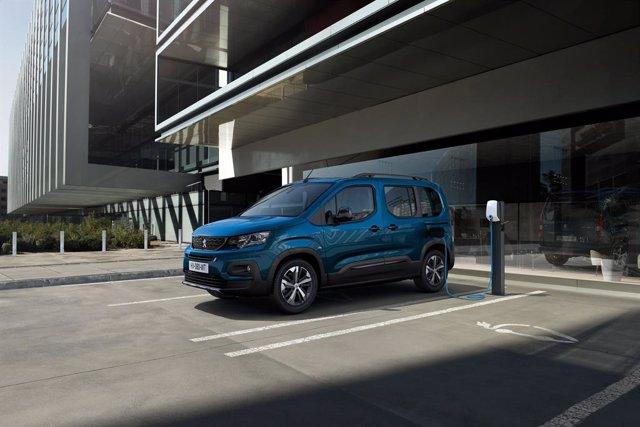 Archivo - El nuevo Peugeot e-Rifter.