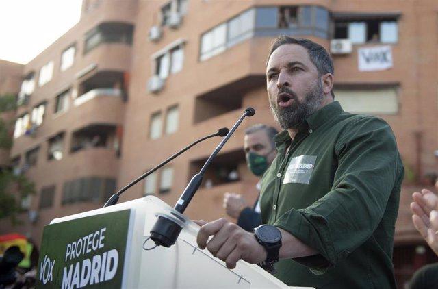 El presidente de Vox y director de campaña, Santiago Abascal, presenta la candidatura para las próximas elecciones del 4 M, en Vallecas
