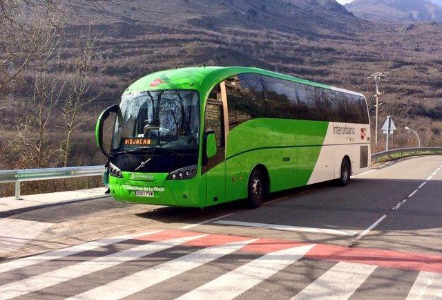 Archivo - Autobus interurbano de La RIoja