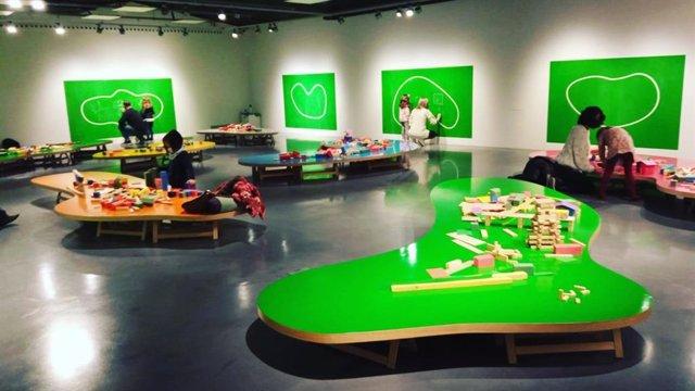 Exposición-taller de juego de construcción de Paul Cox en el Espacio Joven del Centre Pompidou Málaga