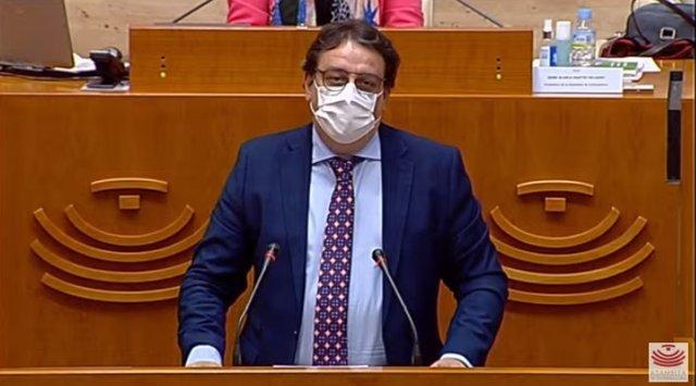 El vicepresidente segundo y consejero de Sanidad y Servicios Sociales de la Junta, José María Vergeles, en su comparecencia periódica en la Asamblea para informar sobre la situación de la pandemia