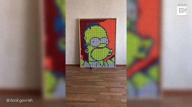 Este artista de 21 años crea retratos gigantes de personajes de la cultura pop con cientos de cubos de Rubik