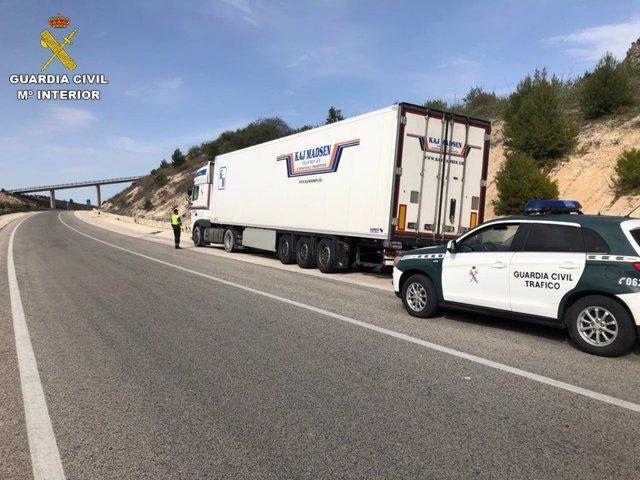 La Guàrdia Civil investiga un camioner que multiplicava per 5 la taxa d'alcohol permesa