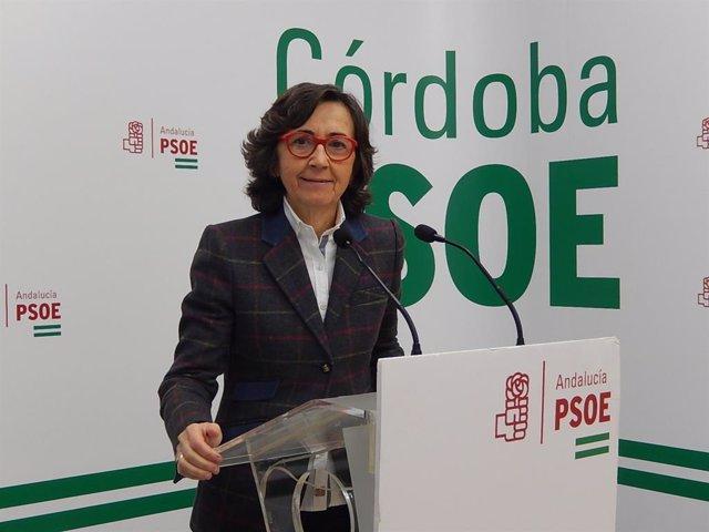 Archivo - La parlamentaria andaluza del PSOE por Córdoba Rosa Aguilar, en la sede de su partido, en una imagen de archivo.