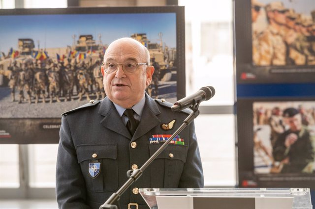 Archivo - HANDOUT - 12 February 2020, Belgium, Brussels: Air Chief Marshal Sir Stuart Peach, Chairman of the NATO Military Committe, speaks during Afghanistan: Faces of War photo exhibition. Photo: -/NATO/dpa - ATTENTION: editorial use only and only if th