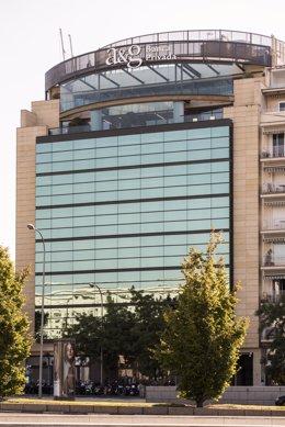Archivo - Sede de A&G Banca Privada en Madrid