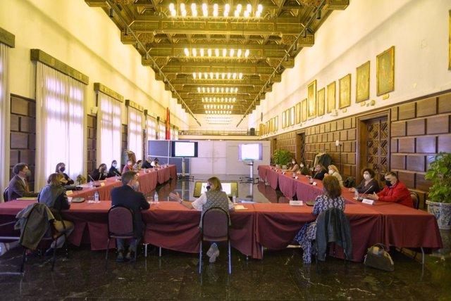 Reunión con los vecinos y colectivos de Balsas de Ebro Viejo