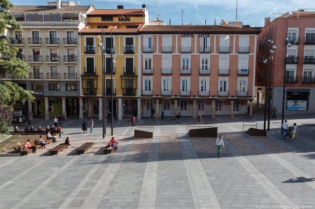 Archivo - Plaza Mayor de Guadalajara accesible