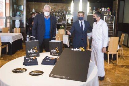 Diputación.-Diputación comienza el reparto de material promocional entre los beneficiarios del Plan Anfitriones