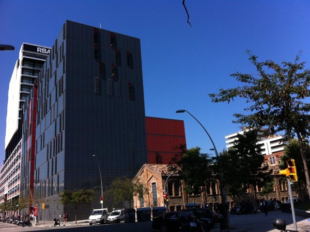 Archivo - Facultat de Comunicació de la UPF al 22@ de Barcelona (Arxiu)