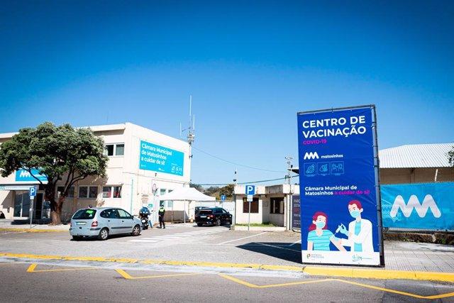 Centro de vacunació contra el coronavirus en Matosinhos, Portugal