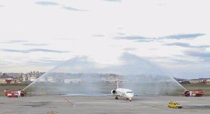 El aeropuerto Seve Ballesteros contará con dos nuevos vuelos semanales destino Murcia