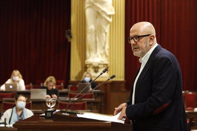 Archivo - El portavoz de MÉS per Mallorca en el Parlament, Miquel Ensenyat.