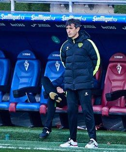 Archivo - Pacheta, entrenador del Huesca se enfrenta a su pasado en el Elche