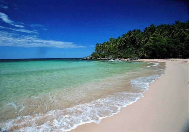 Archivo - Playa en Punta Cana (República Dominicana)