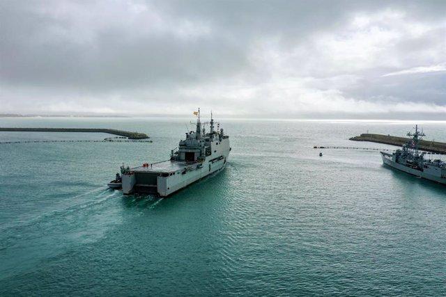 Archivo - El buque de asalto anfibio 'Castilla' zarpa desde Rota para incorporarse a la Operación Atalanta en el Índico.
