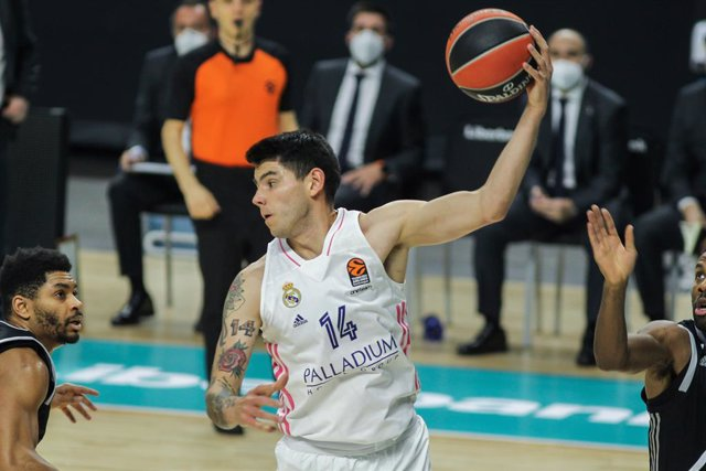 Archivo - Gabriel Deck of Real Madrid in action during the Euroleague basketball match played between Real Madrid and Asvel Lyon-Villeurbanne at WiZink Center on December 04, 2020, in Madrid, Spain.