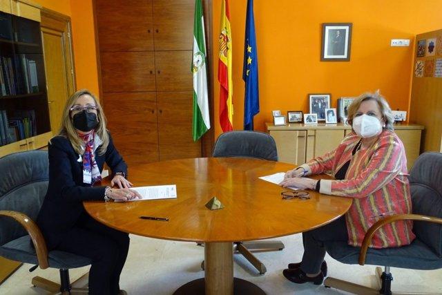La Escuela Andaluza de Salud Pública (EASP) y la compañía biofarmacéutica Ipsen han firmado un convenio de colaboración