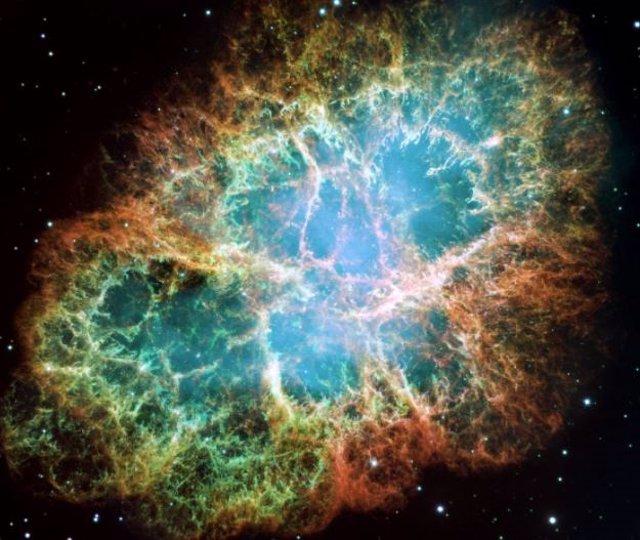 Las observaciones con NICER de la NASA muestran impulsos de rayos X vinculados en los pulsos de radio gigantes aleatorios del púlsar del Cangrejo.