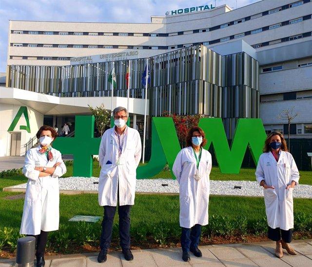 Especialistas del Hospital Macarena evalúan una terapia alternativa a la degeneración macular