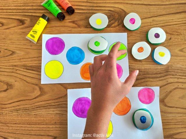 Jugando al puzle de colores