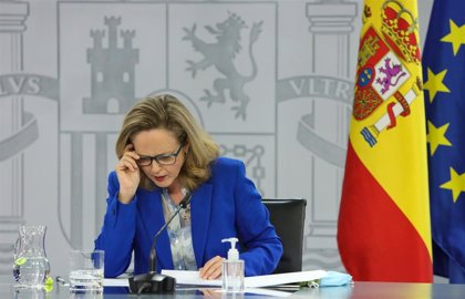 """Calviño asegura que se ha sido transparente con la reforma laboral y que eso """"debería tranquilizar"""" a CEOE"""