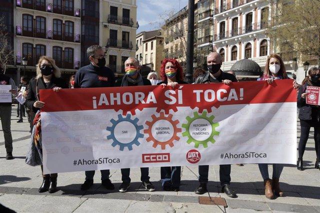 Unai Sordo y Pepe Álvarez arropan a Paco de la Rosa y Olga Arribas en una nueva protesta para recuperar la agenda social en Toledo
