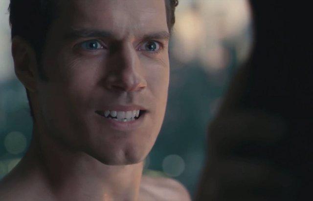 """Chris Terrio, guionista de Liga de la Justicia dice que estrenar la versión de Joss Whedon fue un """"acto de vandalismo"""""""