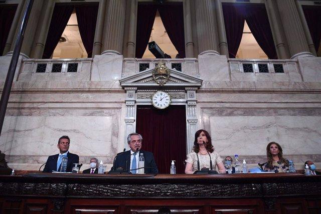 Archivo - El presidente de Argentina, Alberto Fernández, y la vicepresidenta, Cristina Kirchner