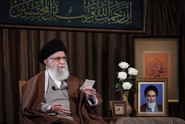Archivo - El líder supremo de Irán, el ayatolá Alí Jamenei