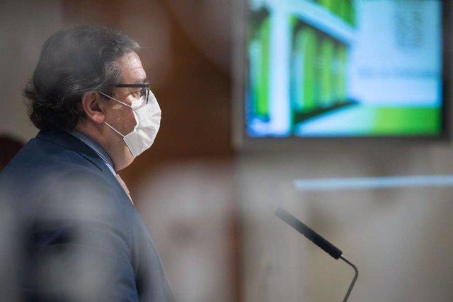 El consejero de Sanidad José María Vergeles
