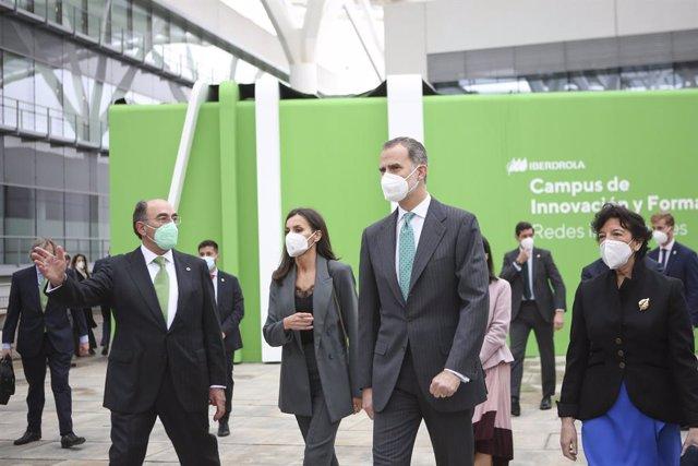 Los Reyes de España y el presidente de Iberdrola, Ignacio Galán, inauguran del Campus de la compañía