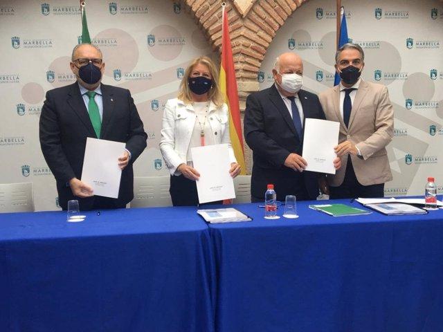 La Junta y el Ayuntamiento de Marbella firman un protocolo para impulsar infraestructuras sanitarias