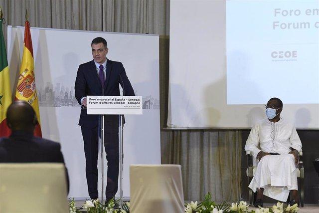El presidente del Gobierno, Pedro Sánchez, en Senegal