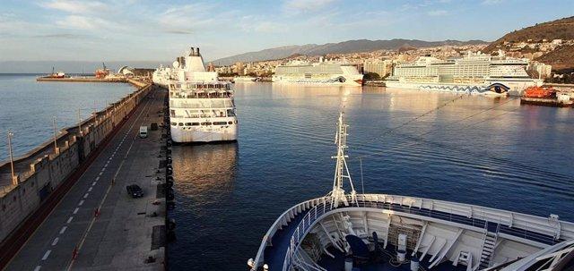 Archivo - Cruceros en el puerto de Santa Cruz de Tenerife