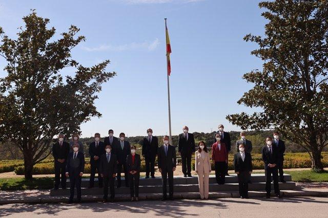 El Rey Felipe VI junto a representantes del Colegio Oficial de Ingenieros de Telecomunicación y la Asociación Española de Ingenieros de Telecomunicación (COIT/AEIT)