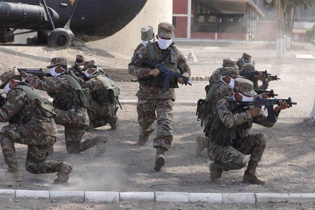 Maniobras de entrenamiento del Ejército de Perú.