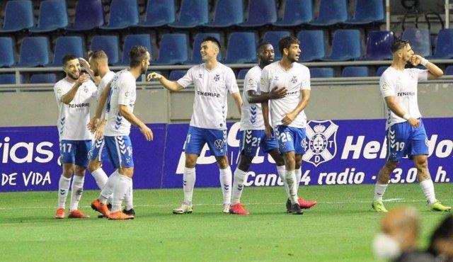 Fran Sol celebra el gol que dio el triunfo al Tenerife
