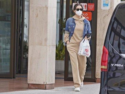Sara Carbonero apuesta por un look jogger