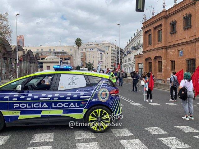 Momento de la manifestación contra los recortes de plazas escolares, en la calle Arjona