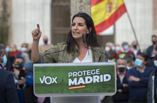 La candidata de Vox a la Presidencia de Madrid, Rocío Monasterio, durante un acto preelectoral, a 8 de abril de 2021, en la Plaza de la Magdalena de Getafe, Madrid, (España). La visita a esta localidad es uno de los actos preelectorales que está llevando