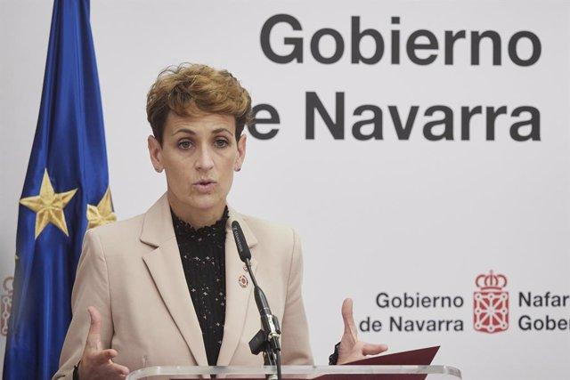Archivo - La presidenta del Gobierno de Navarra, María Chivite interviene en el Palacio de Gobierno de Navarra, Pamplona, Navarra (España), a 5 de marzo de 2021. Durante la visita de la ministra de Asuntos Exteriores, Unión Europea y Cooperación han mante