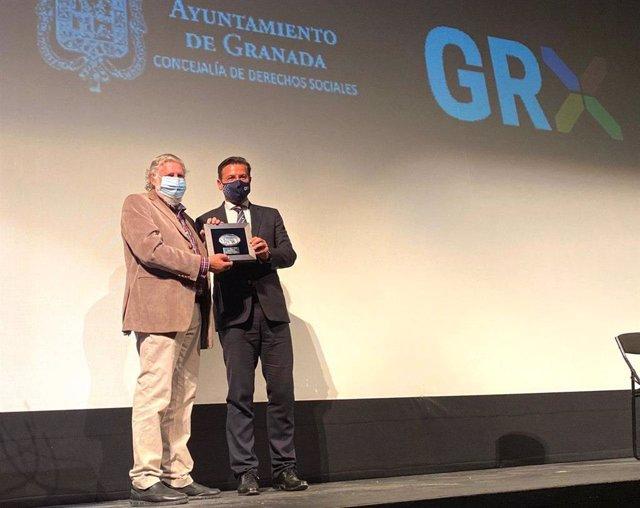 Luis Salvador, en el acto de 'Abril para vivir', destinado a las personas mayores