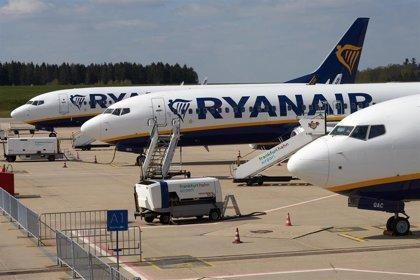 Turismo.-Sevilla y Santiago de Compostela estarán conectadas con un vuelo diario desde julio