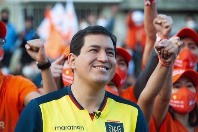 El candidato presidencial de Unión por la Esperanza (UNES), Andrés Arauz