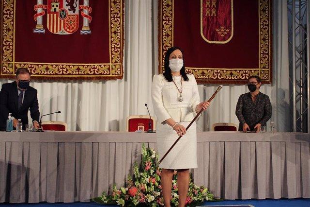Remedio Lajara se convierte en la alcaldesa de Yecla